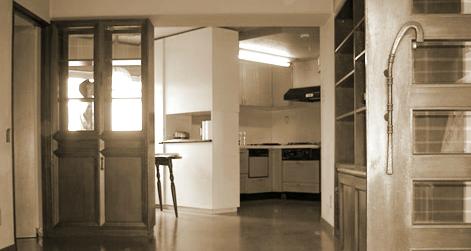 光の差し込むキッチン