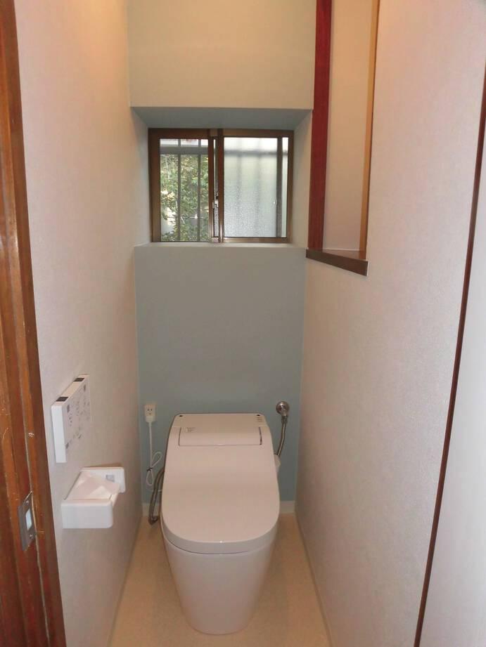 お手入れのしやすい、スッキリさわやかな印象のトイレへ