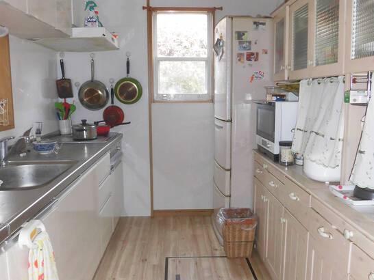 和室を洋室に変え、愛犬と過ごす広々快適空間へ。