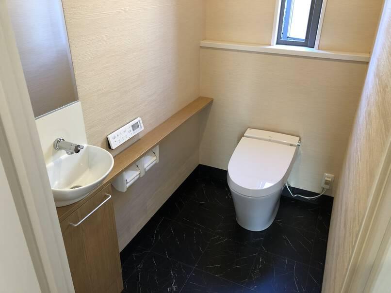 高性能のタンクレストイレへリフォーム