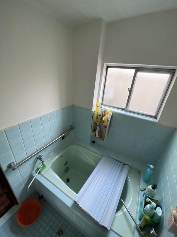 タイル張りの浴室からTOTOのユニットバスに