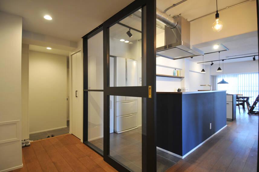 スタイリッシュにリノベーション、洗練された住空間を実現