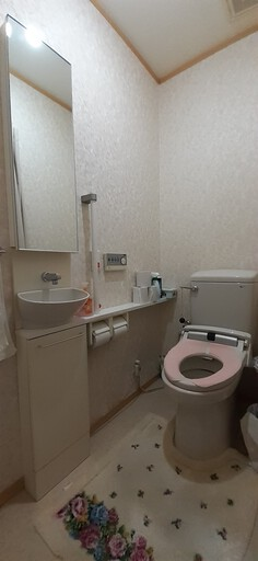 お掃除お任せのお手入れ簡単トイレ
