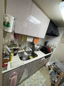 収納力豊富な洗練されたキッチン