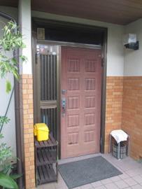 玄関ドアをLIXILのリシェントにお取替え
