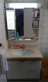 クロスを張り替え・洗面化粧台はLIXIL製品に交換