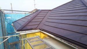 雨漏りで困っている屋根を新しく張り替え