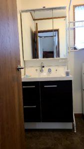 使いやすくシックなデザインの洗面台に交換