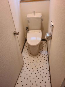 トイレの床の傷みを目立たないように改装