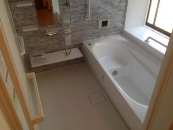 寒さ対策バッチリの浴室