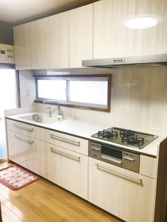 キッチンの高さ・収納を使いやすい製品に交換
