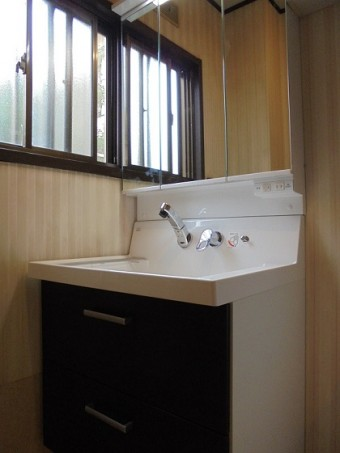 間口が広くて使いやすい750の洗面化粧台
