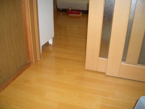 凹凸のない床