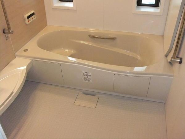 ホーロー浴槽風呂から最新ユニットバスへのリフォーム事例