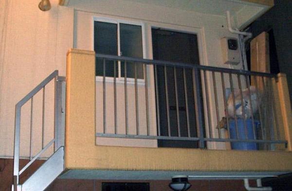 外階段付きの2階ベランダ【エクステリア】