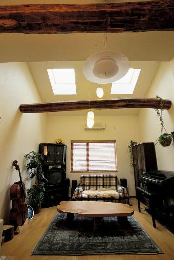 飾り柱でデザイン性高い空間を