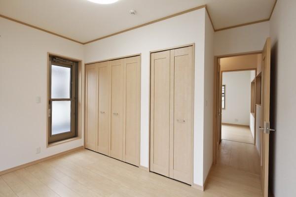 和室を利便性に富んだ洋室へ