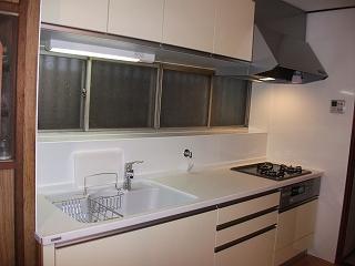 見た目、機能面を一新したキッチン