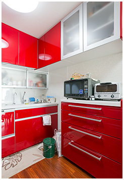 真っ赤なキッチン