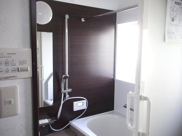 ゆったりくつろげる浴室へリフォーム