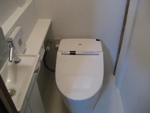 タンクレストイレで空間をスッキリと