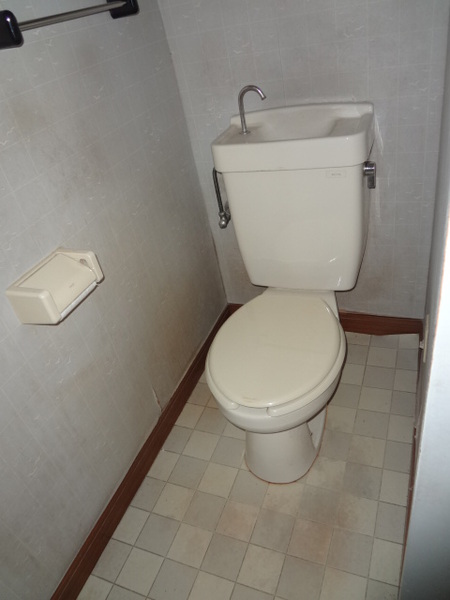 シンプルな節水型トイレ