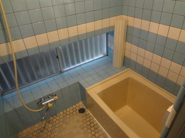 綺麗に洗浄した浴室