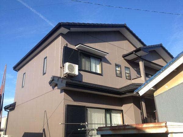 屋根・外壁塗装で明るい外観に