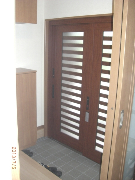 玄関の若返りと清潔感の有るトイレ