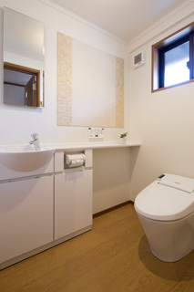 清潔感と機能性を兼ね備えたトイレ