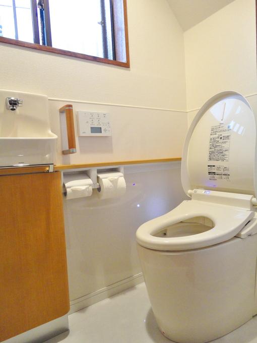 ハイドロセラを使ったトイレ
