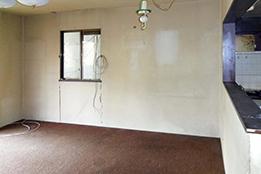 無垢材を使用したダイニングスペース