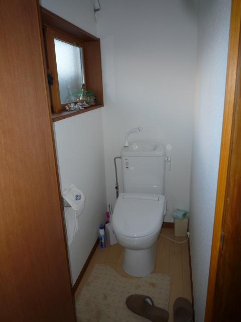 地域柄、まだ、汲み取りトイレでした