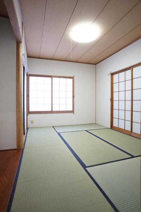 壁と畳と障子を綺麗にするだけでこんなにも輝く和室
