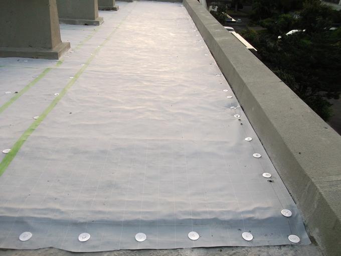 埼玉県坂戸市末広町 屋上防水ウレタン機械的固定工法