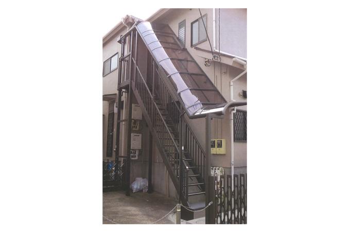 外階段の取付