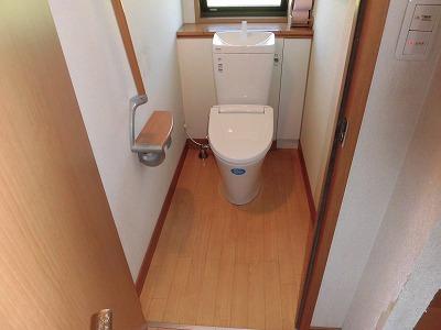 低価格で掃除がしやすいトイレへ