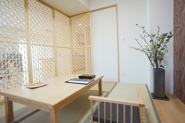 組子障子と京から紙でワンランク上の和室に
