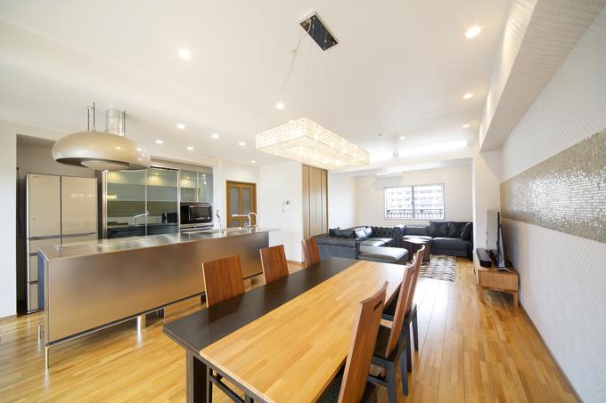 上質な空間でゲストをおもてなしする、開放的なセカンドハウス