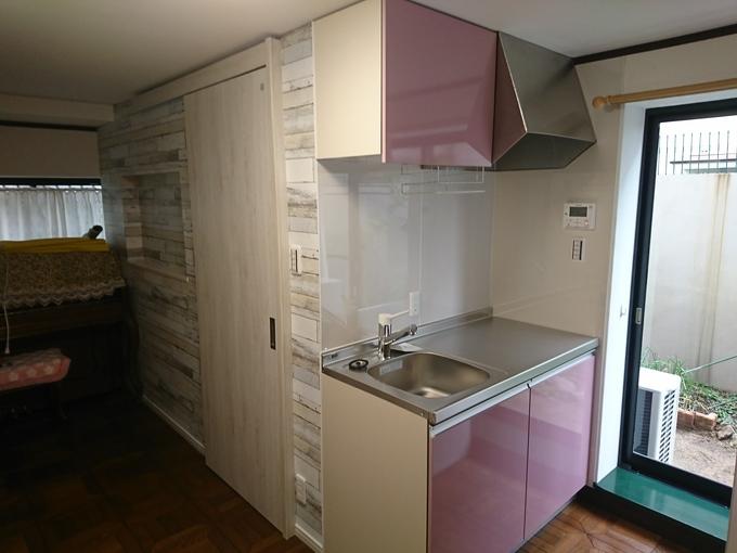 洋室にユニットバス・洗面・キッチンを作りました。