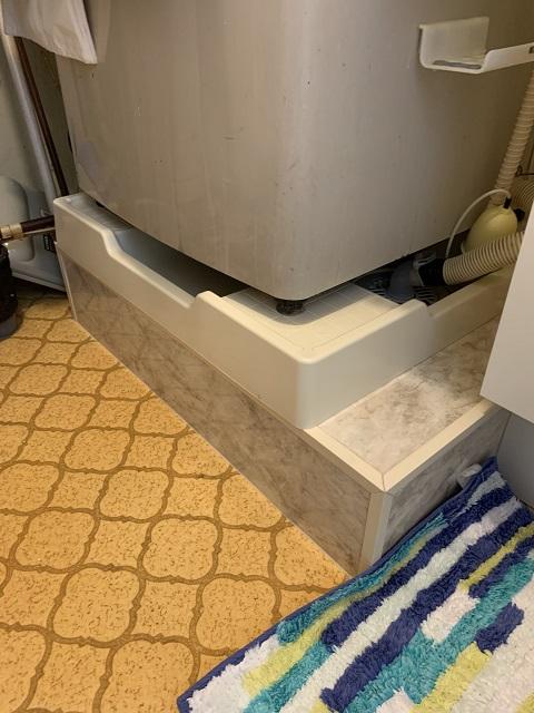 シンプルながら使いやすい洗面台に