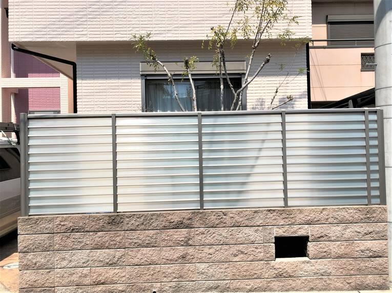 フェンスのパネル取替え