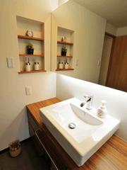 カウンタータイプの洗面所