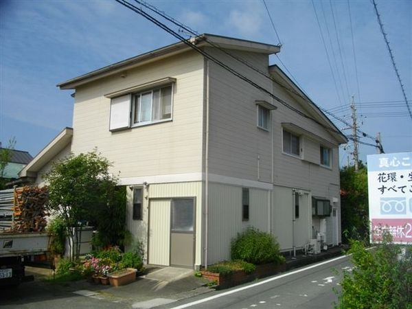 屋根を中心に、外壁もガイナで遮熱塗装