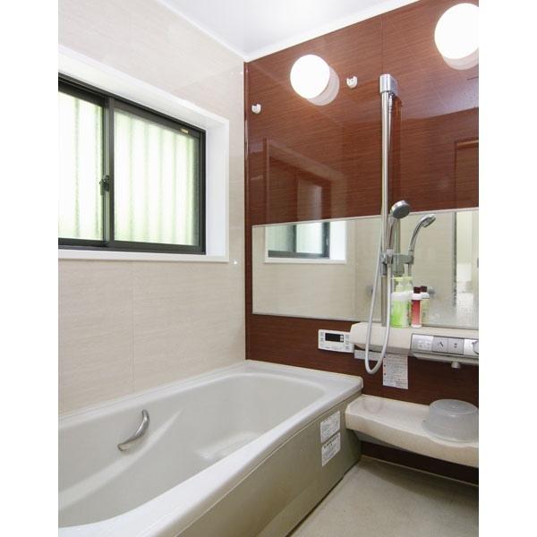 断熱性を向上させた広々とした浴室