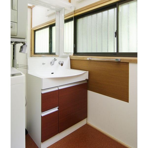 珪藻土や複層ガラスで暖かい洗面所