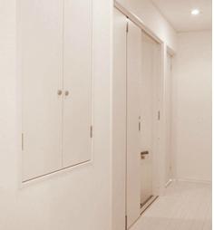 収納を備えた廊下