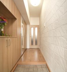 靴を収納できるスペースを完備できたことにより毎日玄関が綺麗でいられる。
