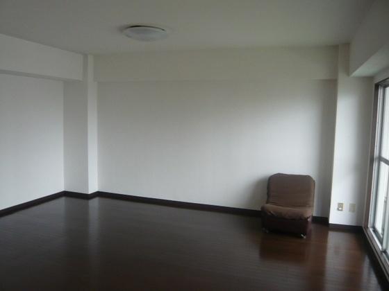 リビングの隣にある和室をつなげました。