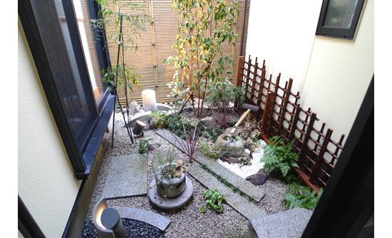 坪庭の紅葉を再生のリフォーム事例